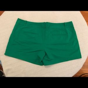 """The Limited size 16 Green shorts easy 4"""""""